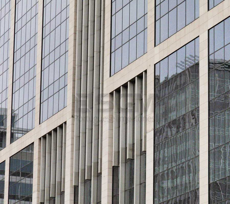 Tour des Finances Brussels – Moca Creme limestone