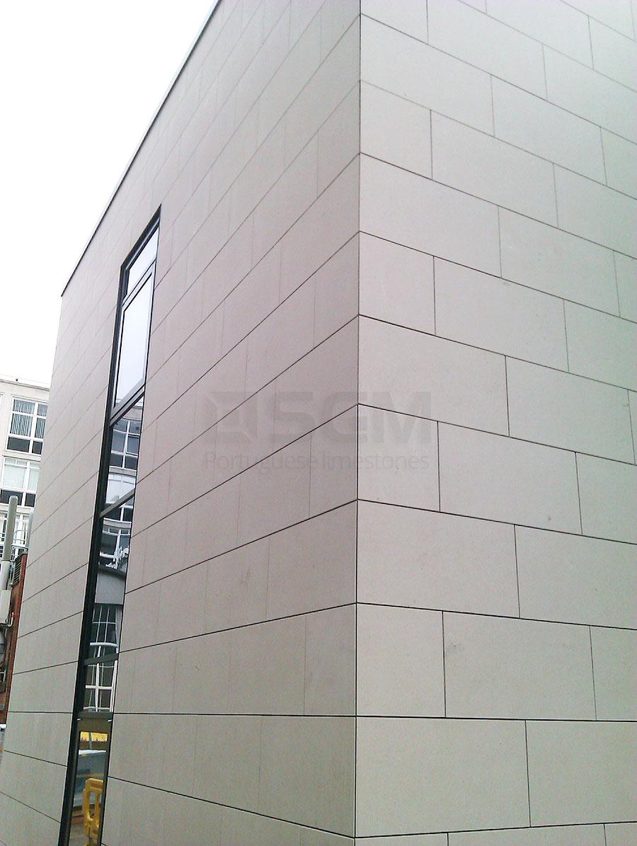 Leeds University – Cabeca Veada limestone